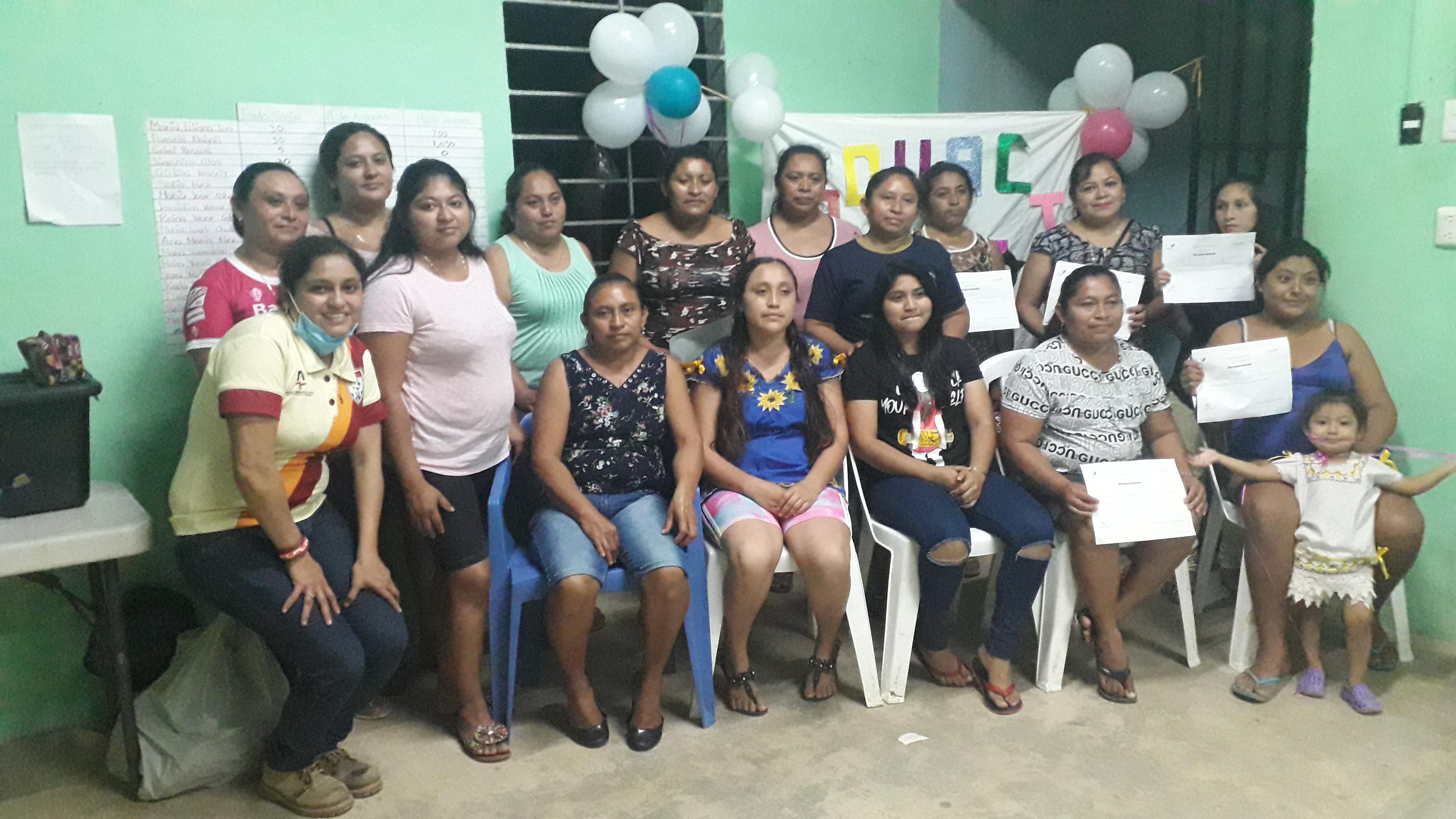 A pesar de la adversidad familias mayas dan un paso fuera de la pobreza extrema